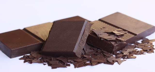 De Villiers launches sugar- & dairy-free sustainably sourced chocolate