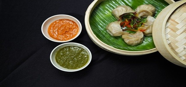 Wow! Momo ties up with BigBasket for distribution of new frozen momos
