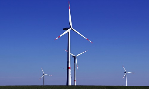 Amazon announces three new wind projects in US, Europe to power AWS